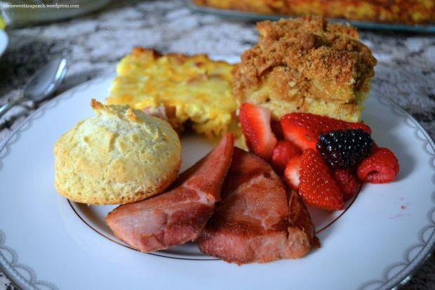 plate of brunch food