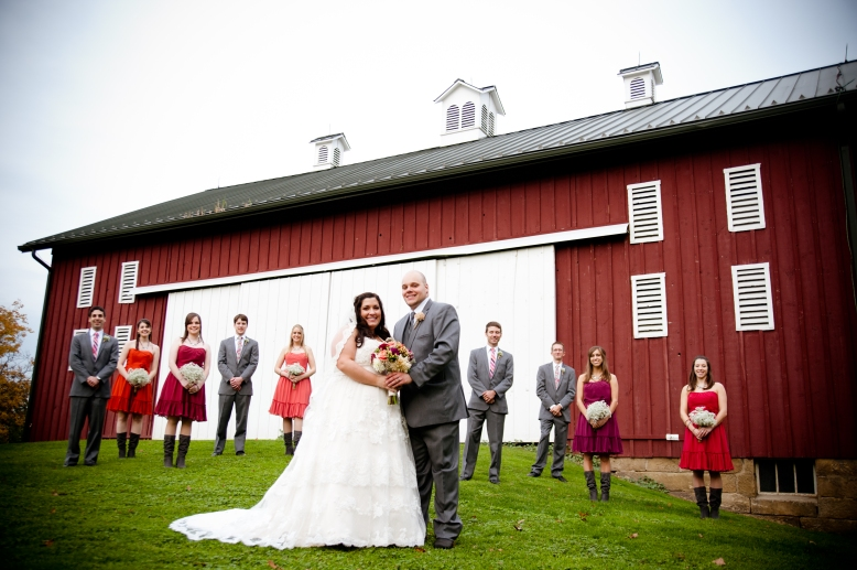 wedding-party-in-front-of-barn-succop-conservancy