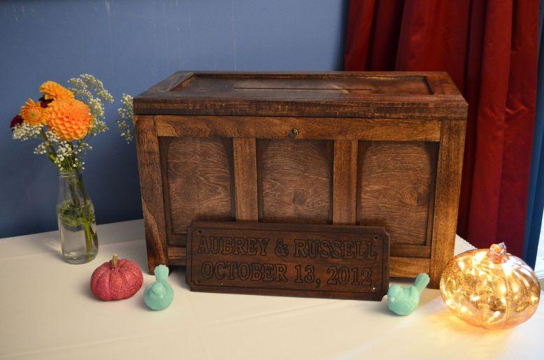 homemade-wooden-cardbox