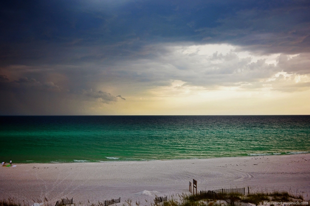 Destin, Florida Thunderstorm Rolling In | Life Is Sweet As A Peach