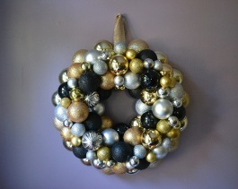 Black, Gold and Silver Ornament Wreath | Life Is Sweet As A Peach