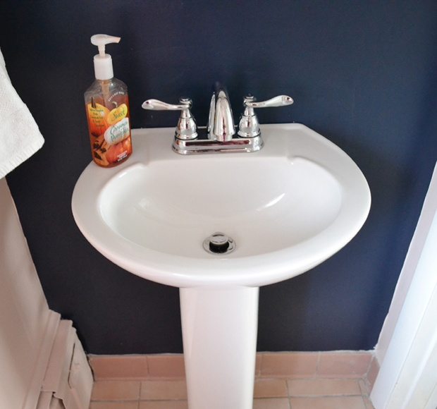 Small White Pedestal Sink in Bathroom | Life Is Sweet As A Peach